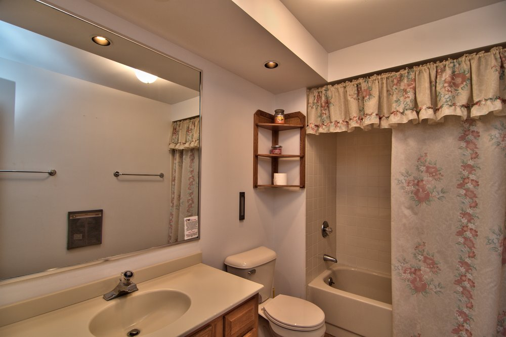 Hall Bath 2 View 1.jpg