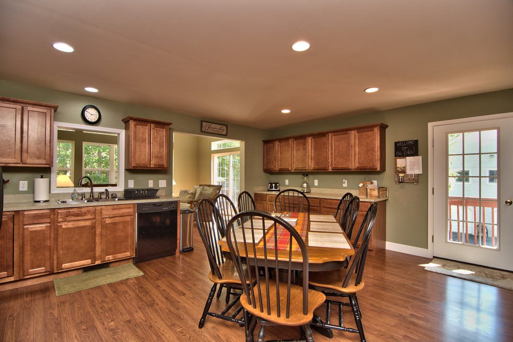 Kitchen Dining Area View 2.jpg