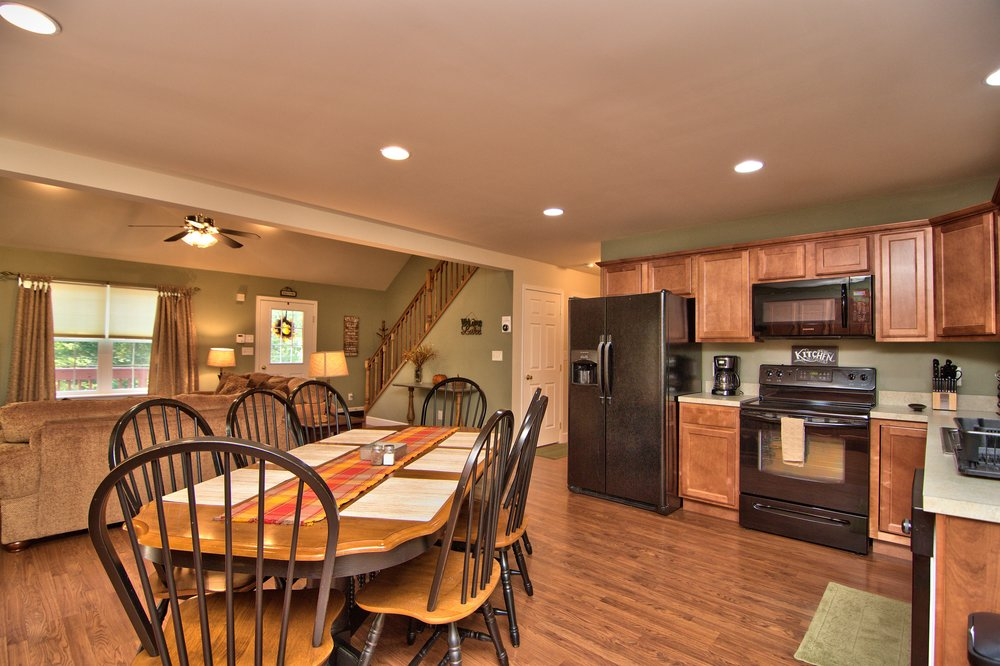 Kitchen Dining Area View 3.jpg