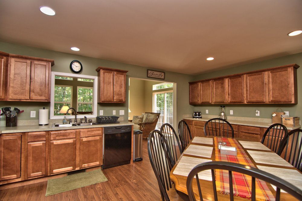 Kitchen Dining Area View 5.jpg