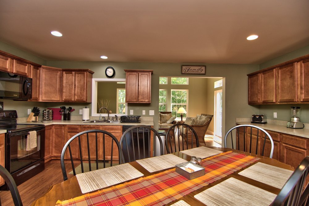 Kitchen Dining Area View 6.jpg