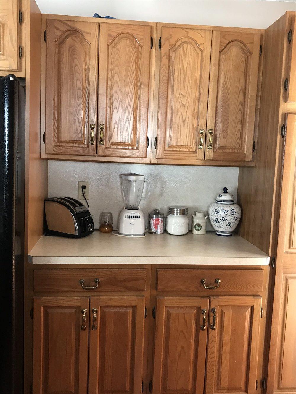 kitchen applianes.jpg