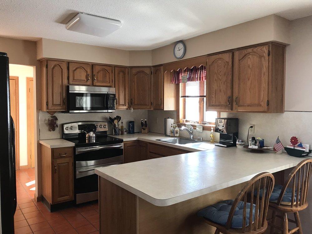 kitchen: dining area.jpg