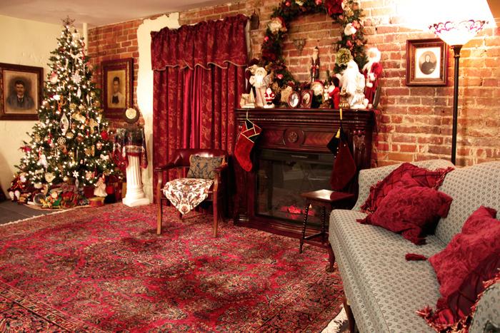 Victorian-ChristmasStabge-15.jpg