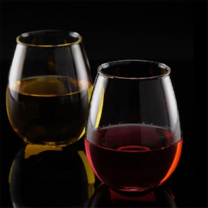 Wine Glass pour2.jpg