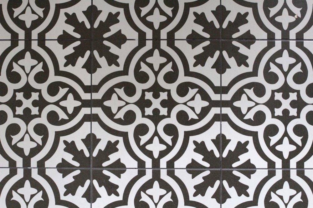 bathroom floor tiles 2.jpg
