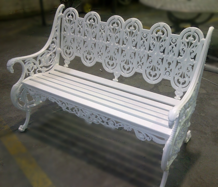 Griffith bench with aluminium slats