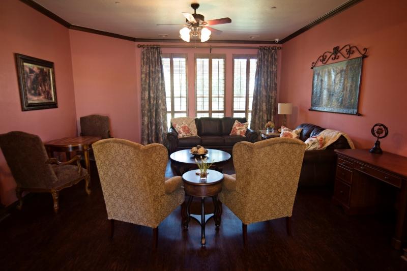 Redhaven-dining-room-2-2k.jpg