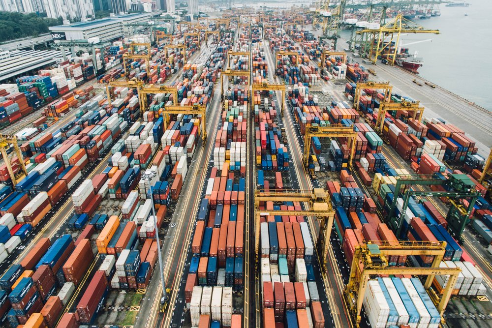 Optimization in logistics with IoT