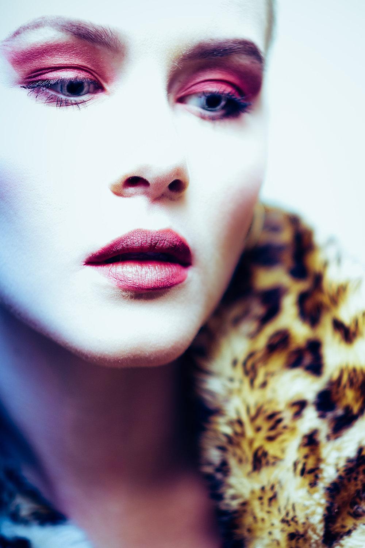 lindesy with makeup-17.jpg