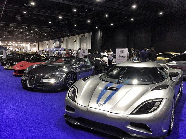 Dubai Super Car Show 🏎 www.helezin.com #photooftheday #blog #blogger #dubai #dubailife #dubaiblogger #supercar #supercars #supercarsdaily700 #ferrari #mclaren #lamborghini #astonmartin #wmotors #devel
