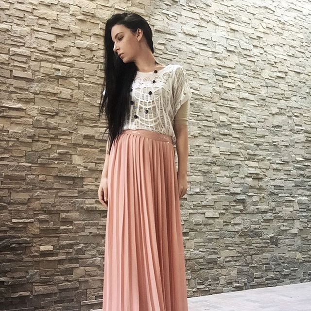 Friday Brunch! www.helezin.com #dubaiblogger #dubailife #dubai #blogger #ootd #ootdshare #ootdinspo #guess #fashion #fashionblog #photooftheday #outfitoftheday