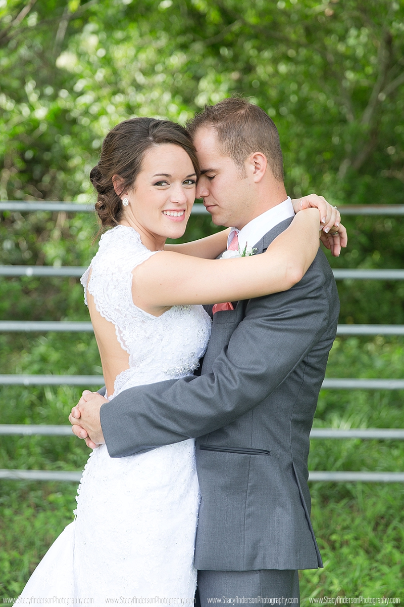 Angelton Wedding Photographer (17)