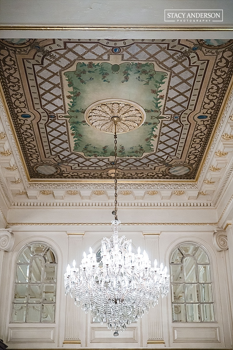 Part of the charm of New Orleans, is that the city forbids the beautiful buildings to be torn down. And then you have buildings like the historic Hotel Monteleone which had the most beautiful ceilings!