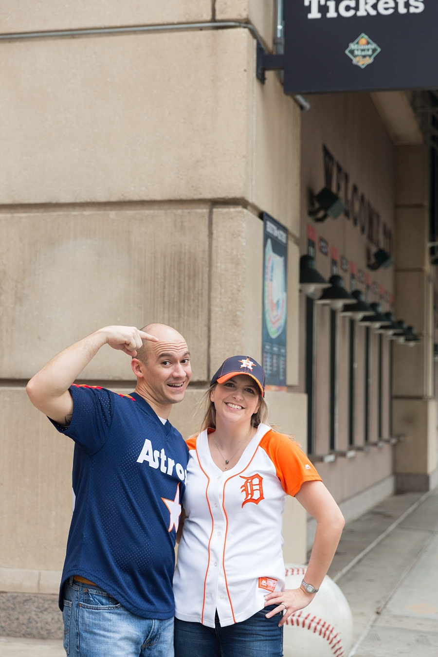 Stacy-Anderson-Photography-Houston-Astros-Baseball-engagement-photo_0036.jpg
