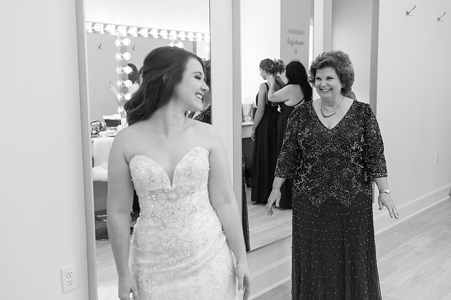 Stacy Anderson Photography Lodge at Mound Creek Houston wedding photographer_0007.jpg