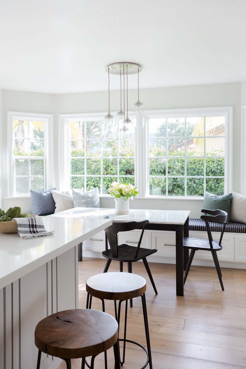 Casual traditional breakfast nook designed by Lindsey Brooke Design in Los Angeles.jpg
