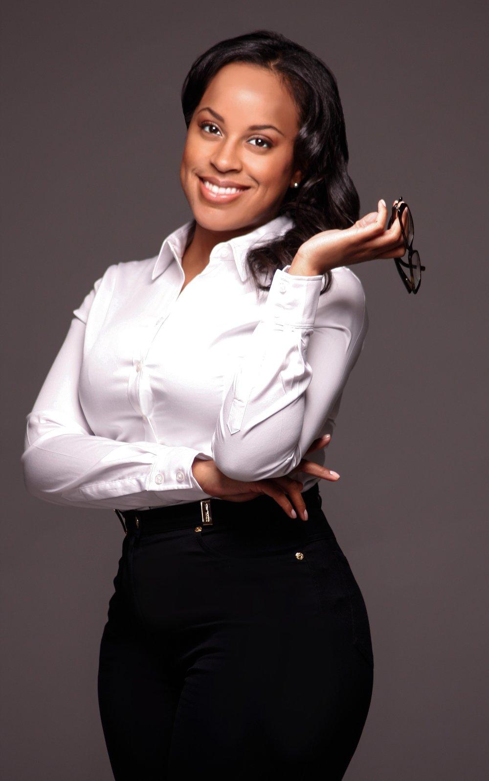 Aisha Taylor promo headshot.jpg