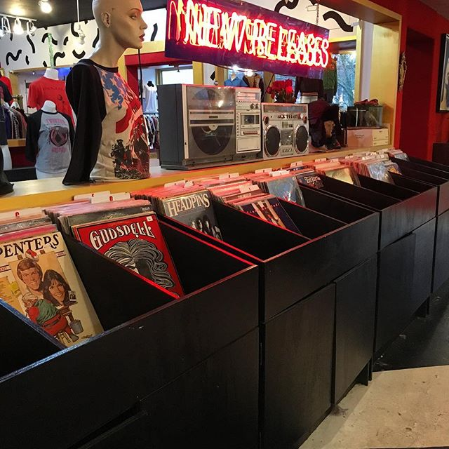 If your mom is like mine, records are the best gift to get her! Come get some for your mom or loved one a classic! #christmas #records #vintage #music #gifts