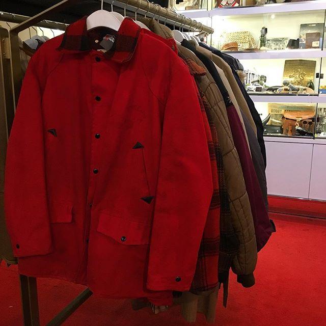 Cold? We've got you .. covered (ba dum tss) #vintage #vintageclothes #vintagefashion #usedhouseofvintage #vancouver #jackets #badpuns