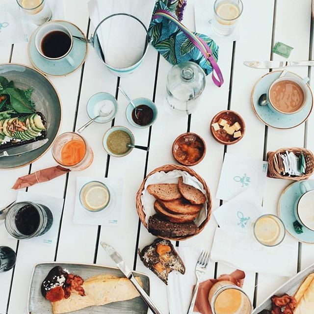 It's Friday!!! Who ready to brunch this weekend??! 🌴 #callylife #losangeles #callygirls #cgb #brunchtime #callyummy #allthefoods 🙌🏼