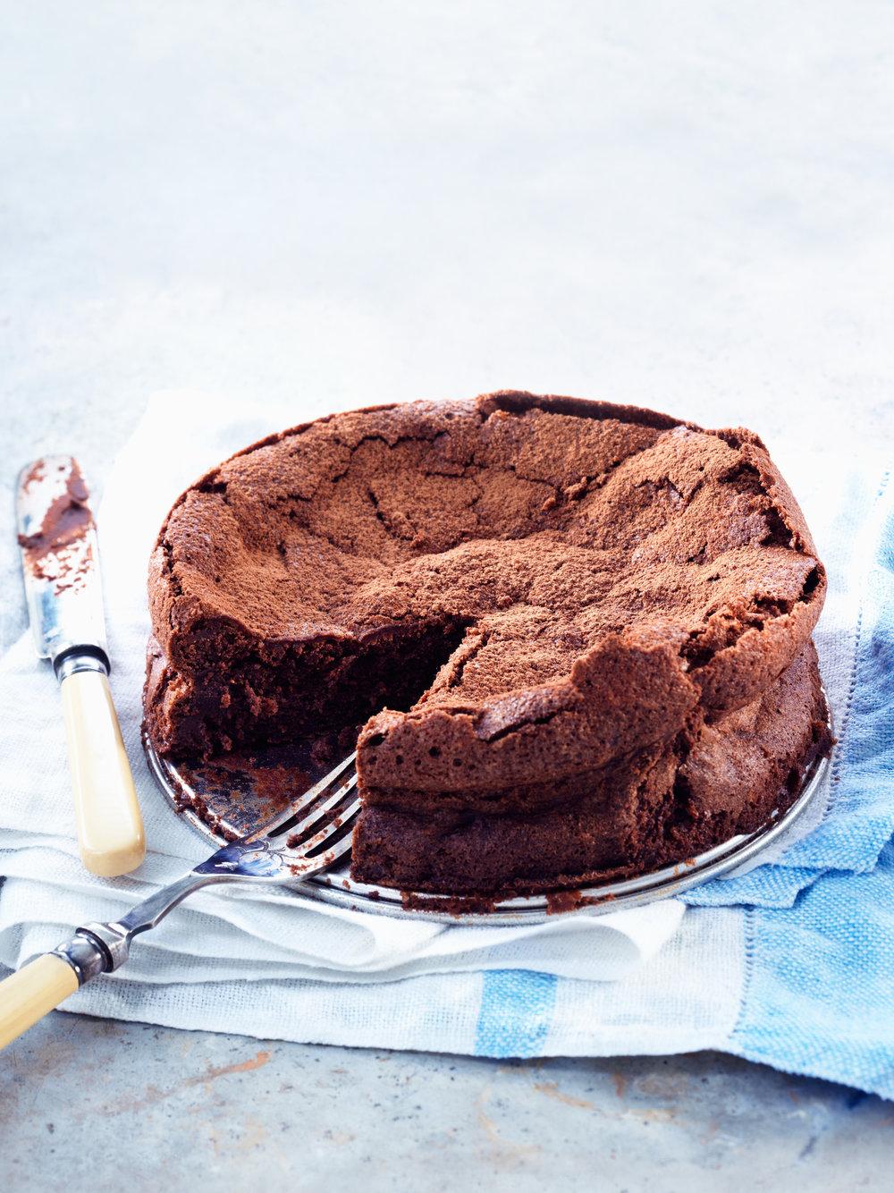 08015NES0308_Cake.jpg