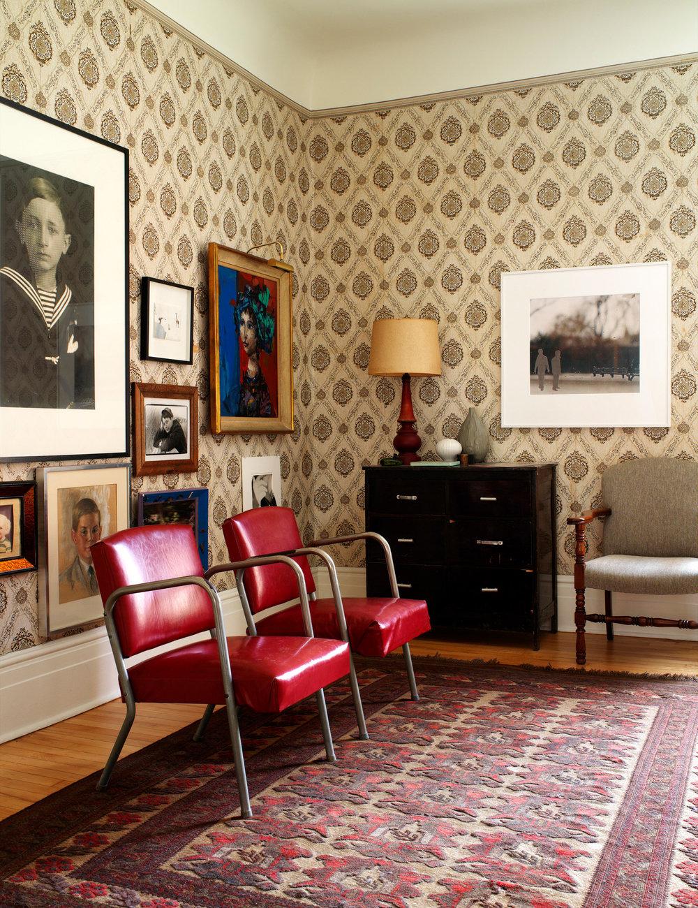218807-10855082-livingroom_jpg.jpg