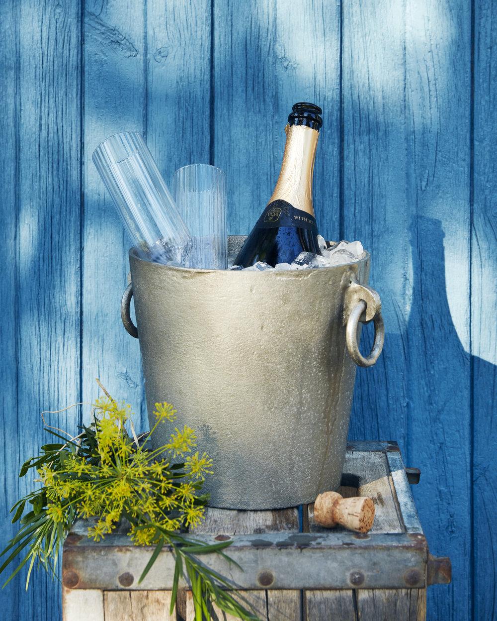 18054KLD-FDM_OntWines_ChampagneCover_V2.jpg