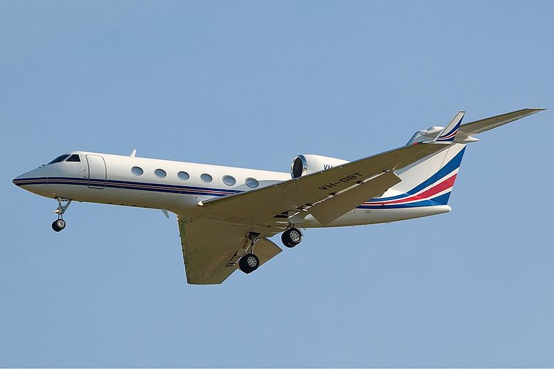 800px-Gulfstream_G-IV(SP)_DRW_Butler-1.jpg