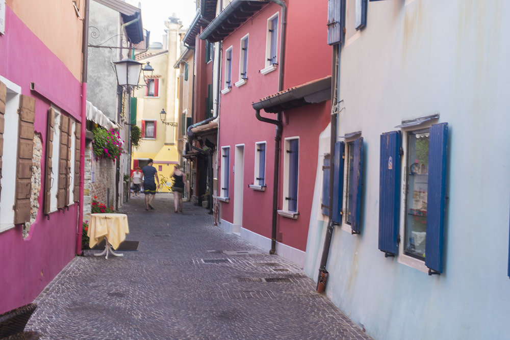 """An alley, known as a """"calle"""" off Rio Terra"""