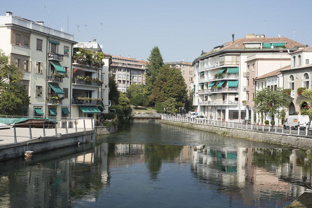 AS17-02035 River Sile above the weir, Treviso, Veneto