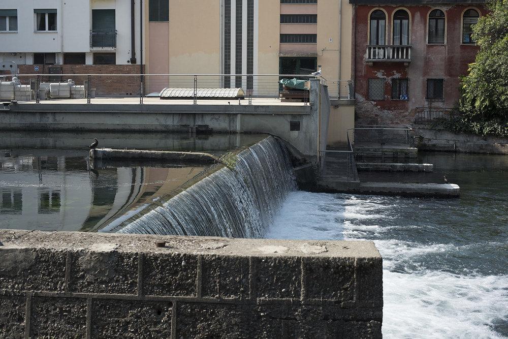 AS17-02038 Weir on River Sile, Treviso, Veneto