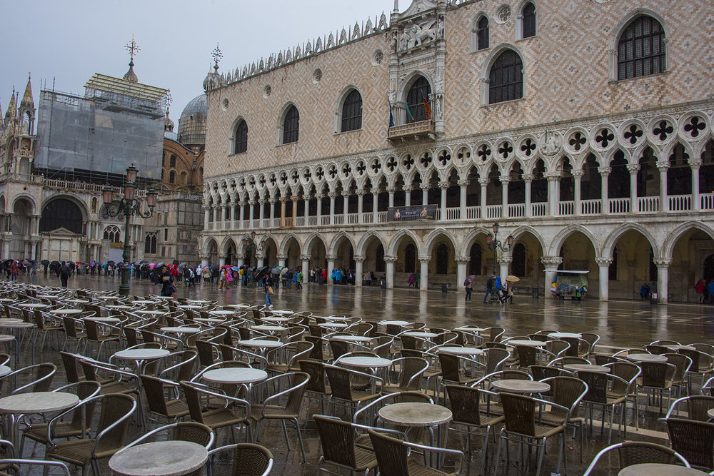 Caffè Chioggia (and the Doge's Palace beyond) - in the rain