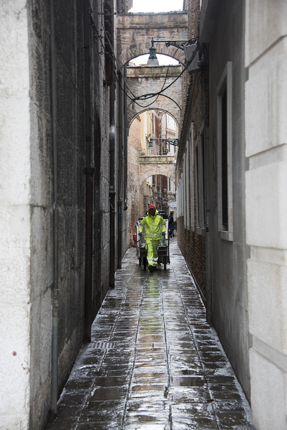 Municipality staff working to keep Venice clean - in the rain