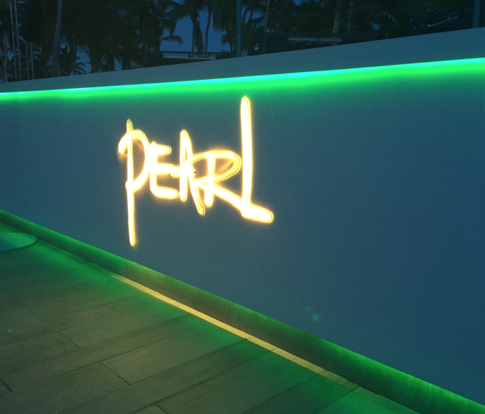 pearl iluminado troquelado.png