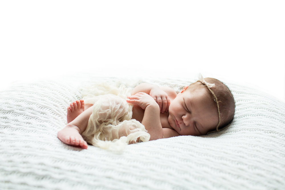 Ellicott City Newborn Photographer 5.jpg