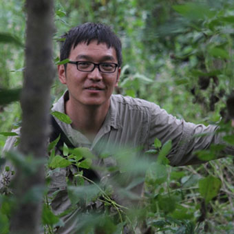 Prof Yingqi Zhang   Palaeoanthropologist with 10 years' experience, is a rising star in the IVPP and an expert on Giganto in the caves in the Chongzhuo region