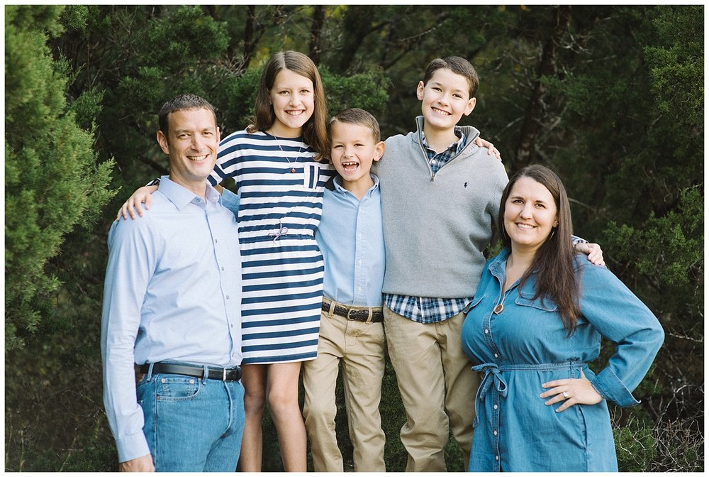 Family Portrait ideas for outdoors - what to wear