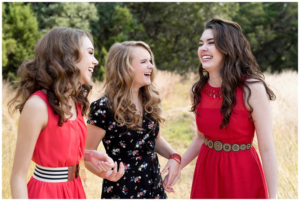 hair-and-makeup-ideas-homecoming-high-school-senior-pictures.jpg
