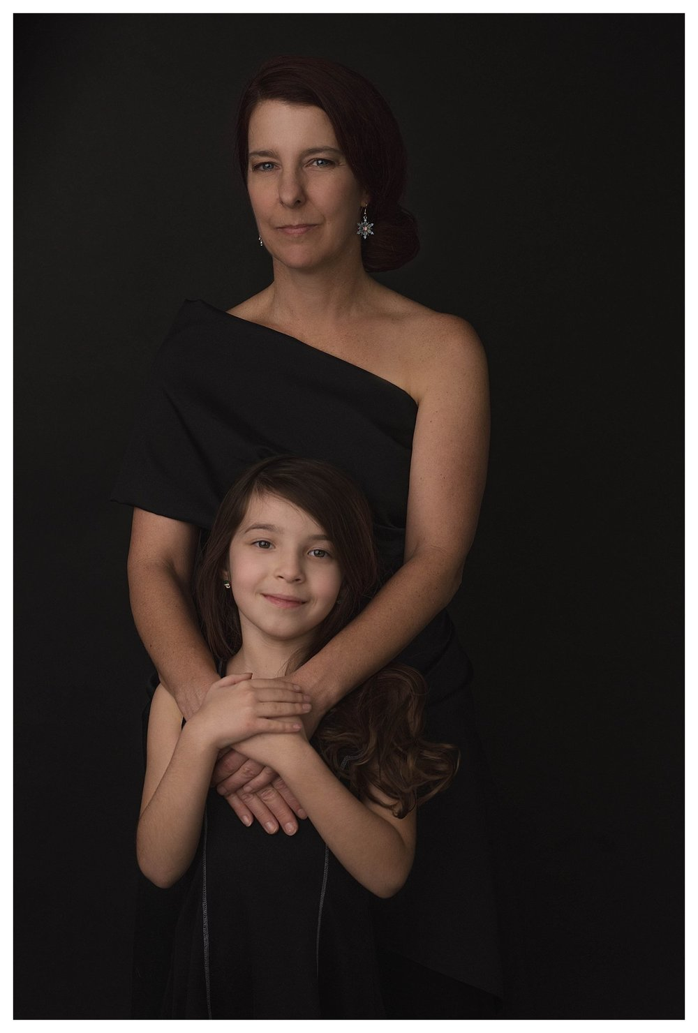 mother-and-daughter-pictures-studio-portraits-san-antonio-texas-photographer-families.jpg