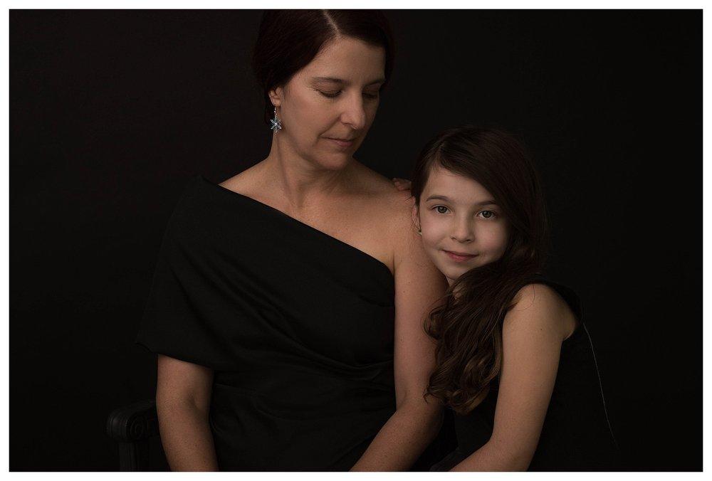 mother-daughter-portraits-posing-lighting-ideas-san-antonio-photographer-sue-bryce-style.jpg