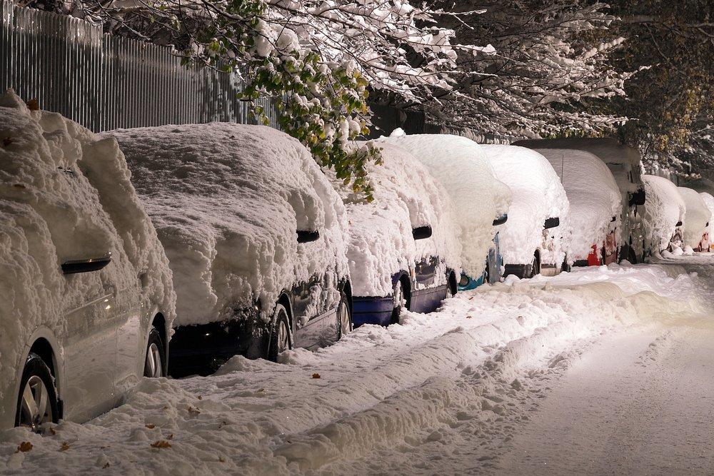 cars-cold-road-236995.jpg