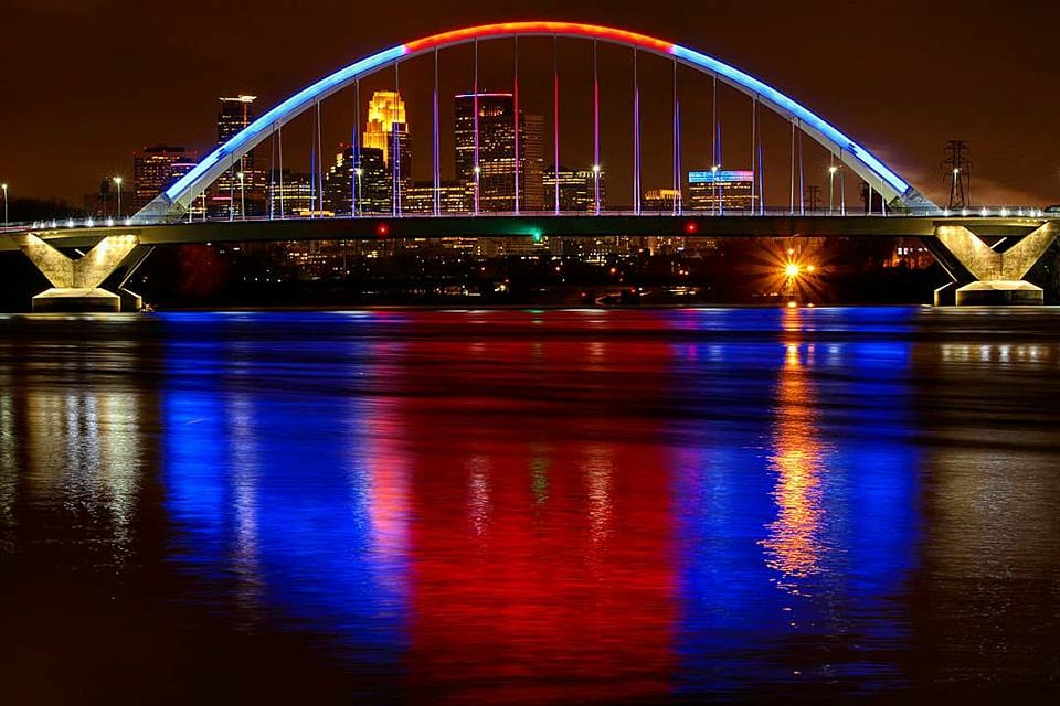 Lowry Bridge lit up for Twins home opener