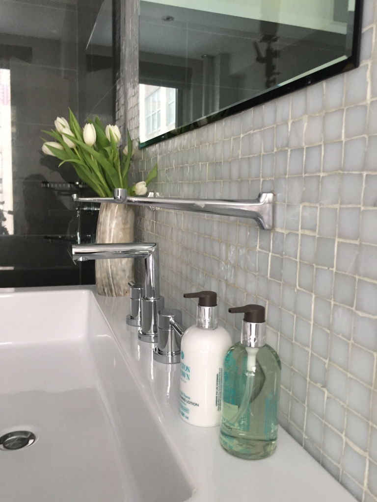 gramercy, NYC - BATHROOM STYLING