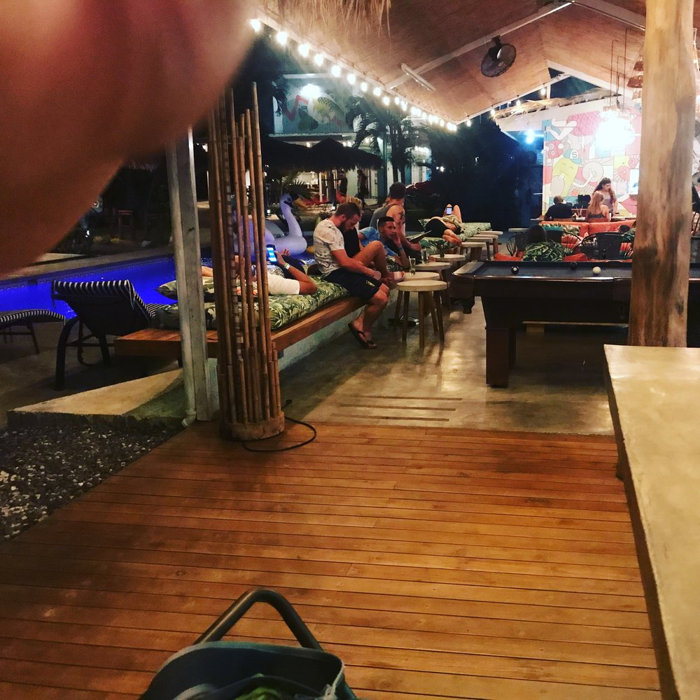 Hostel Bar/Pool/Hangout area