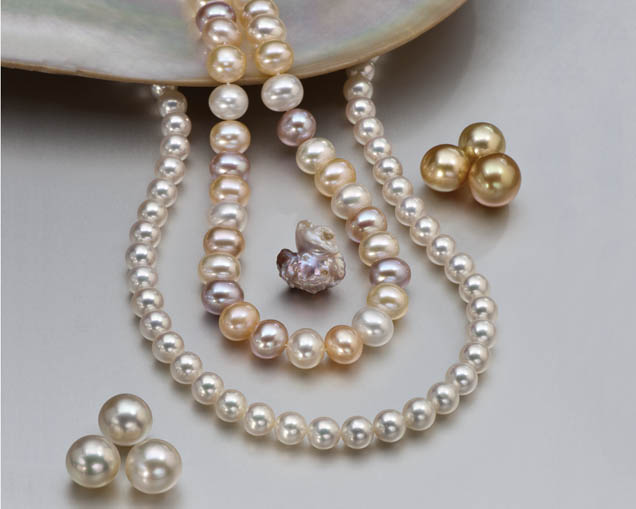 This collection includes a palette of beautiful cultured pearls. Besides round golden white loose cultured pearls, there's a strand of well-matched round whites and a strand of oval pastel colors.