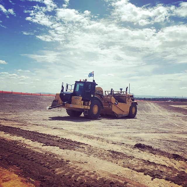 Are you looking for a change in your career? Why not apply with us for an exciting new challenge? Work in an environment filled with purpose and mateship. Have the ability to stand back and be proud of the product you've helped build. Apply for a position with us via our website. Link in bio.  #WEM #earthmoving #earthmovingdaily #earthmovingequipment #earthmovingmachinery #earthworks #cuttofill #smellofdiesel #burningdiesel #dozer #scraper #excavator #dumptruck #civilengineering #civilcontracting #civilconstruction #plantoperator #plantoperatorlifestyle #theresrocktoberipped #bulkearthworks #grader #grading
