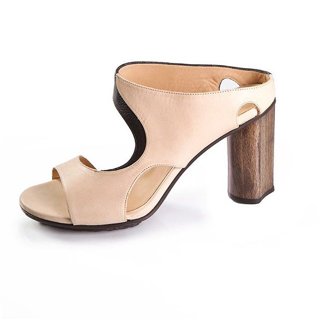 Available at @hatshoe.dansaert  #ellenverbeek #shoes #belgianbrand #summershoes