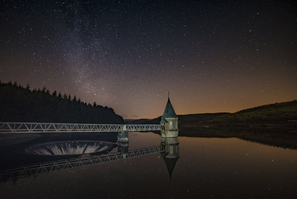 Ponsticill reservoir milky way.jpg