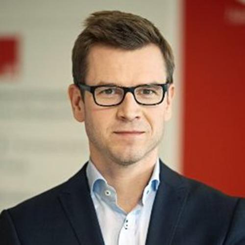 Björgvin Ingi Ólafsson Managing Director of Relationship Banking & Member of Executive Board at Íslandsbanki